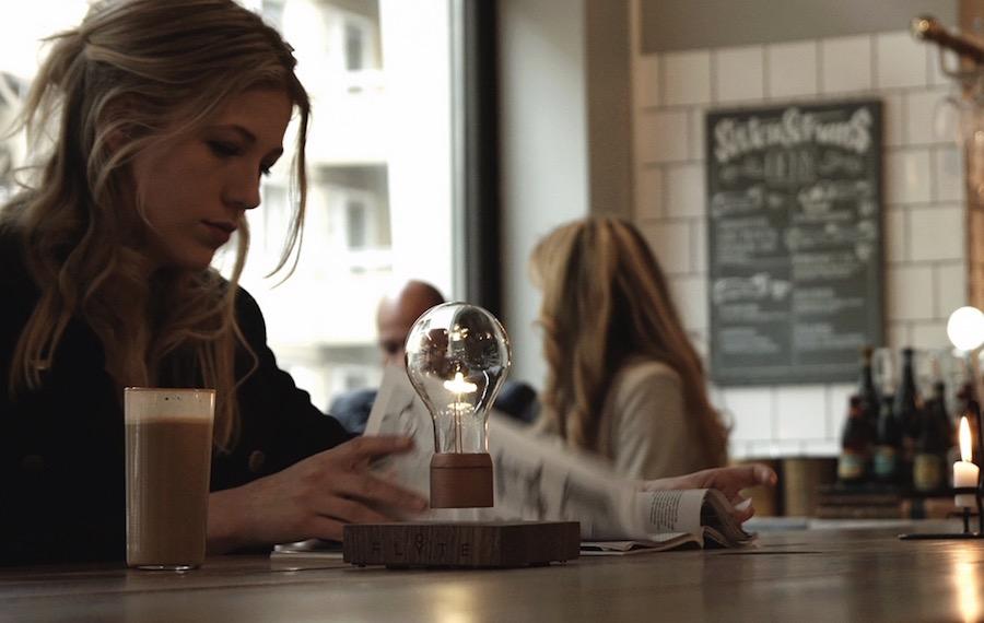 Flyte-Levitating-Table-Lamp